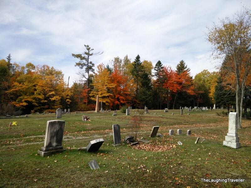 בית קברות במיין